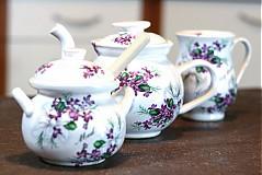 Set čajník, med, šálka
