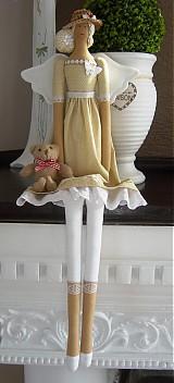 Bábiky - Béžovo-biela v klobúčiku so srdiečkom - 3754080_