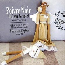 Bábiky - Béžovo-biela v klobúčiku so srdiečkom - 3754077_