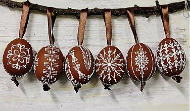 Dekorácie - KRASLICE /slepačie maľované vajíčka/ - hnedé - 3748950_
