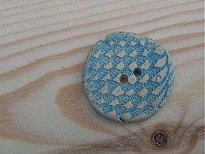 Materiál ručne robený - Reliéfny keramický gombík 3 cm - 3763669_