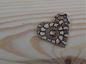 Materiál ručne robený - Reliéfny keramický gombík 3 cm - 3763829_