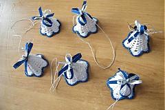 Dekorácie - Háčkovaný zvonček modrý - 3786900_
