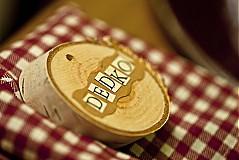 Papiernictvo - Svadobne menovky z dreva - 3787205_