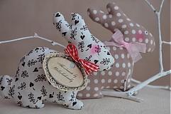 Dekorácie - Zajačik pozorovateľ malý. - 3795782_