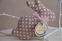 Dekorácie - Zajačik pozorovateľ malý. - 3795783_