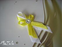 svadobné pierka žlté