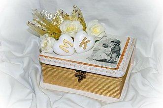 Darčeky pre svadobčanov - Svadobná krabica s iniciálami - 3822697_