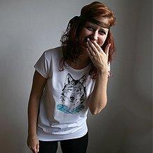 Tričká - Dievča s vlkom (čierno-tyrkysová potlač) - 3829438_