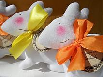 Dekorácie - Zajačik pozorovateľ biely. - 3831470_