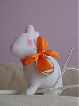 Dekorácie - Zajačik pozorovateľ biely. - 3831627_