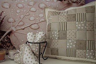 Úžitkový textil - vankúšik a 2 srdiečka s vônou levandule - 3835584_