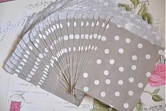 papierovy sacok siva bodka