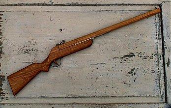 Hračky - puška z dubu - 3850593_