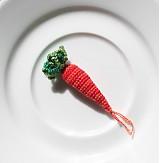 Háčkovaná mrkvička mini  4 cm