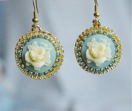 Náušnice - Náušnice vyšívané vintage, cameo s ružou - 3875567_