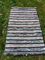 Úžitkový textil - Koberec farebný s čiernym pásikom 160x75cm - 3885800_