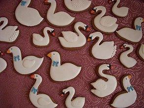 Dekorácie - medovníkové labute a húsky - 3888572_