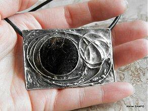 Odznaky/Brošne - autorský šperk Helga - BROŠŇOPRÍVESOK 2 NA CHLADNÉ JARNÉ DNI :D - 3908335_
