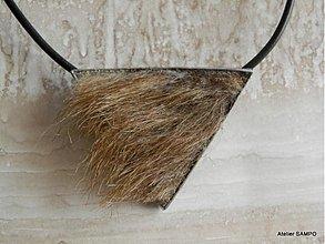 Odznaky/Brošne - autorský šperk Helga - BROŠŇOPRÍVESOK 4 NA CHLADNÉ JARNÉ DNI :D - 3908476_