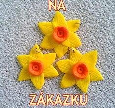Náhrdelníky - Narcisy - prívesky - 3913937_