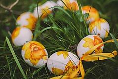 Dekorácie - venček z vajíčok... - 3945778_