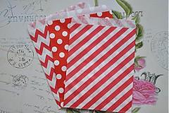 Obalový materiál - papierovy sacok cervena bodka - 3958538_
