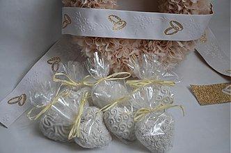 Darčeky pre svadobčanov - Svadobné srdiečka - darček pre hostí - 3959823_