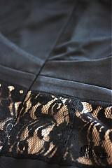 Šaty - Koktejlové šaty s tylom a krajkou na kovový zips - 3978654_