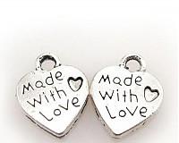 Prívesok srdiečko s nápisom Made with love