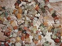Minerály - Kremeň s prímesami iných minerálov zlomky - 3979968_