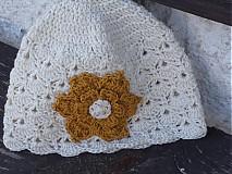 Čiapky - krémová so zlatým kvetom  - 3988813_