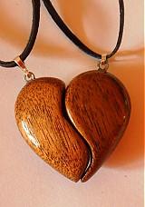 Náhrdelníky - dve polovičky srdce - 4002503_
