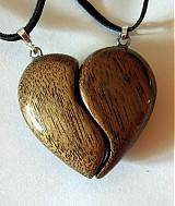 Náhrdelníky - dve polovičky srdce - 4002504_