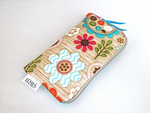 Pastelové květinky v lese -obal na mobilní telefon