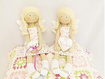 Bábiky - Malý anjelik v kvetinkových šatočkách - 4033344_