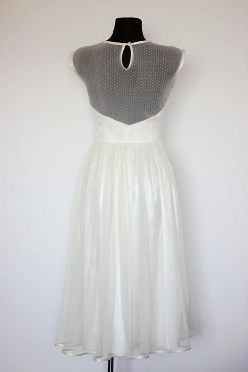 ff990e446aad Tylové spoločenské šaty s bodkami vo vintage štýle   Dyona - SAShE ...