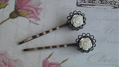 Ozdoby do vlasov - sponečky s bílou růží - 4065417_