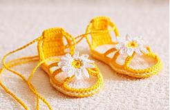- háčkované sandálôčky s kvetinkou - 4065342_