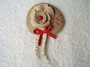 Odznaky/Brošne - Brošňa kožená, malá parádnica - 4084488_