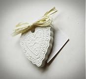 Darčeky pre svadobčanov - čipkované srdce - 4084497_