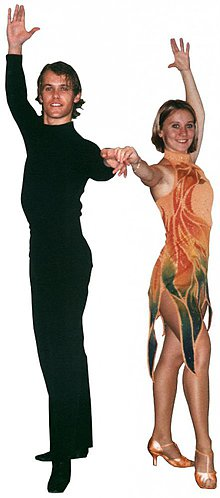 Šaty - trošku ohnivé - maľba na tanečných šatách - 4111436_