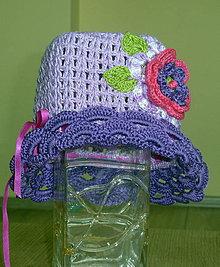Detské čiapky - Fialovy klobucik s ruzovo fialovou ruzou - 4130101_