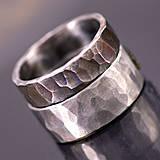 Prstene - Kovaný nerezový snubní prsten - Draill - 4136151_
