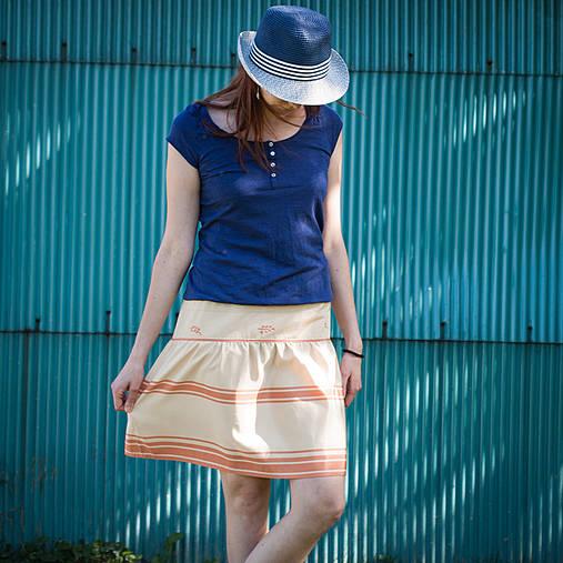 Krémová sukňa