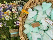 Darčeky pre svadobčanov - Mentolové svadobné srdiečka, 10 cm - 4137057_