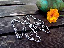 Dekorácie - motýľ - 4136772_