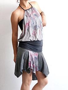 Šaty - Šedé šaty s potlačou lístia - 4144214_