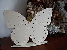 Dekorácie - Motýľ - stojan na náušnice a šperky - 4155051_