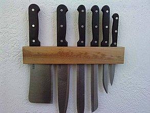 Pomôcky - Držiak na nože z dreva - 4164472_